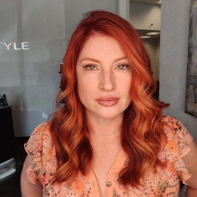 Look at this beauty coloured and styled by Olga, using our favourite @sevenhaircare products! Redheads totally have more fun 😉  Tell us what you think ⬇️